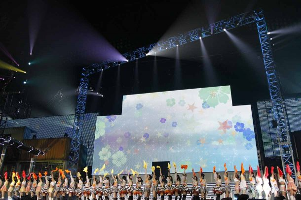Highlights from AKB48′s Five-Dome Tour [Nagoya Dome Day 1] (1)