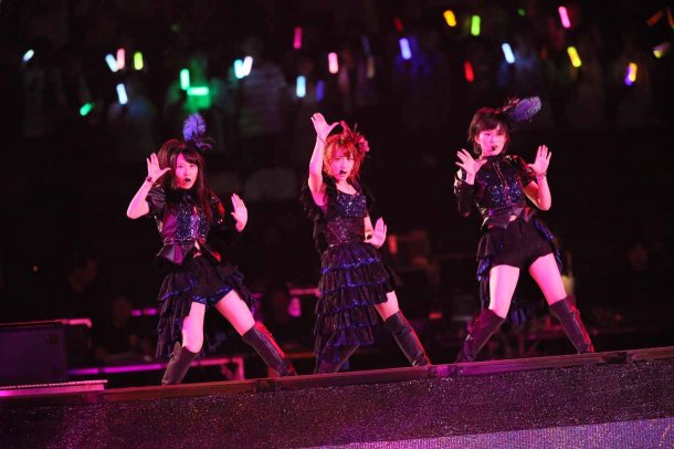 Highlights from AKB48′s Five-Dome Tour [Nagoya Dome Day 1] (12)