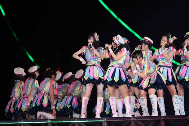 Highlights from AKB48′s Five-Dome Tour [Nagoya Dome Day 1] (27)