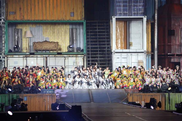 Highlights from AKB48′s Five-Dome Tour [Nagoya Dome Day 1] (32)