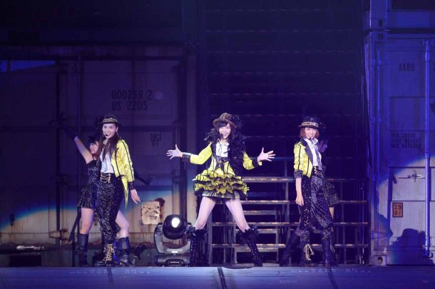 Highlights from AKB48′s Five-Dome Tour [Nagoya Dome Day 1] (5)