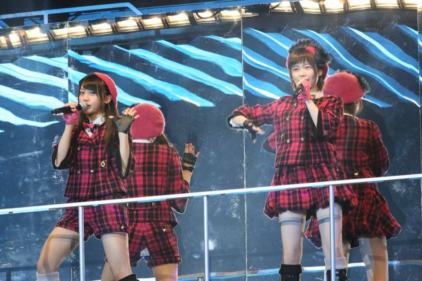 Highlights from AKB48′s Five-Dome Tour [Nagoya Dome Day 1] (7)