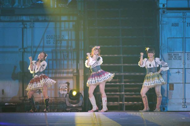 Highlights from AKB48′s Five-Dome Tour [Nagoya Dome Day 1] (8)