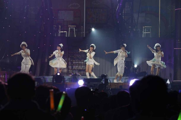 Highlights from AKB48′s Five-Dome Tour [Nagoya Dome Day 2] (10)