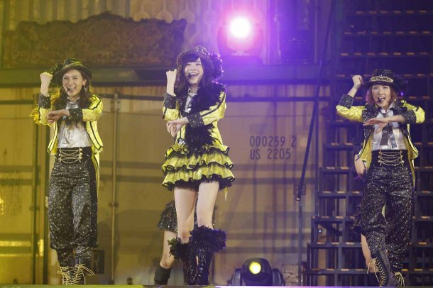 Highlights from AKB48′s Five-Dome Tour [Nagoya Dome Day 2] (16)