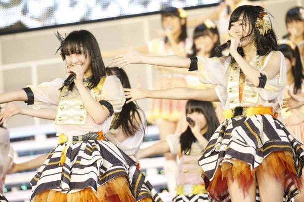 Highlights from AKB48′s Five-Dome Tour [Nagoya Dome Day 2] (21)