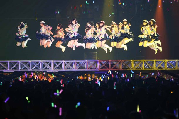 Highlights from AKB48′s Five-Dome Tour [Nagoya Dome Day 2] (29)