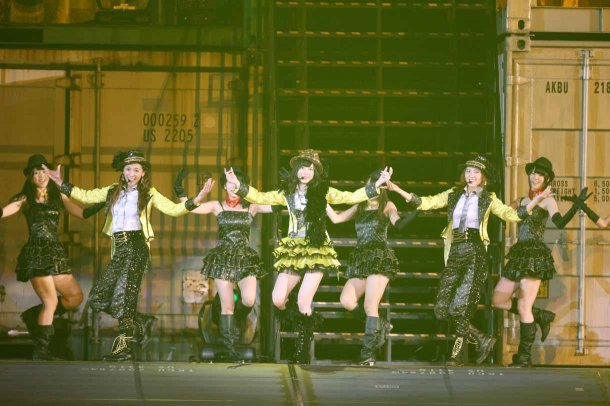 Highlights from AKB48′s Five-Dome Tour [Nagoya Dome Day 2] (34)