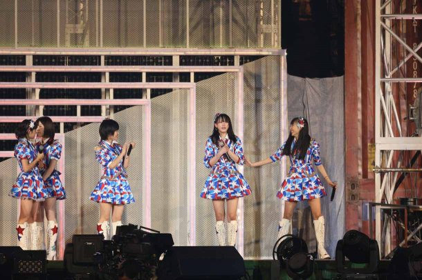 Highlights from AKB48′s Five-Dome Tour [Nagoya Dome Day 2] (35)