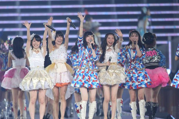 Highlights from AKB48′s Five-Dome Tour [Nagoya Dome Day 2] (37)