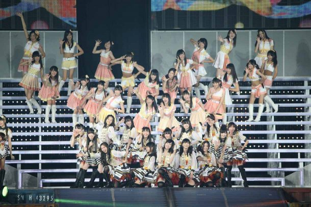 Highlights from AKB48′s Five-Dome Tour [Nagoya Dome Day 2] (41)