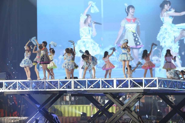 Highlights from AKB48′s Five-Dome Tour [Nagoya Dome Day 2] (42)