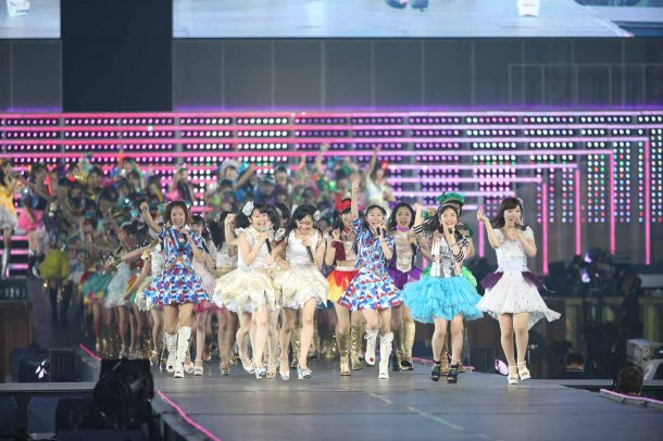 Highlights from AKB48′s Five-Dome Tour [Nagoya Dome Day 2] (43)