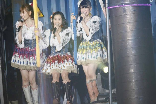 Highlights from AKB48′s Five-Dome Tour [Nagoya Dome Day 2] (5)