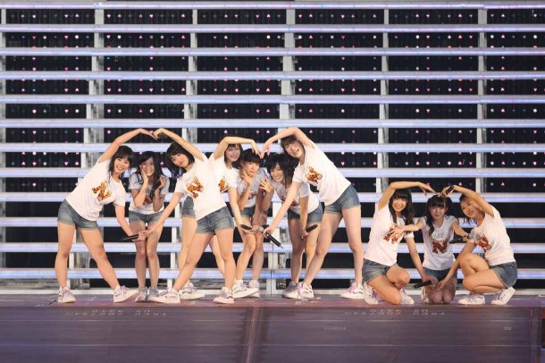 Highlights from AKB48′s Five-Dome Tour Osaka Dome Day 1 (11)