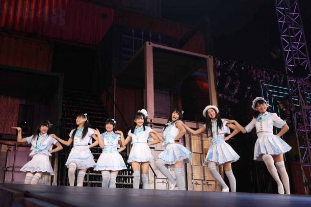 Highlights from AKB48′s Five-Dome Tour Osaka Dome Day 1 (17)