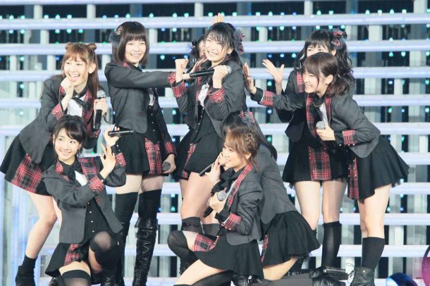 Highlights from AKB48′s Five-Dome Tour Osaka Dome Day 1 (20)