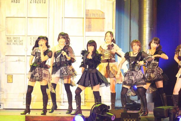 Highlights from AKB48′s Five-Dome Tour Osaka Dome Day 1 (7)