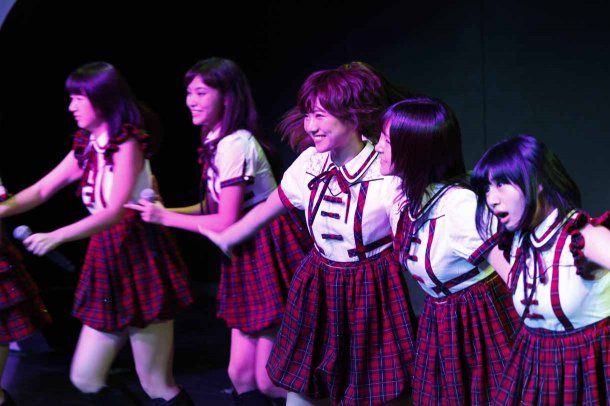 Mariya Suzuki and Sae Miyazawa Debut With SNH48 (3)